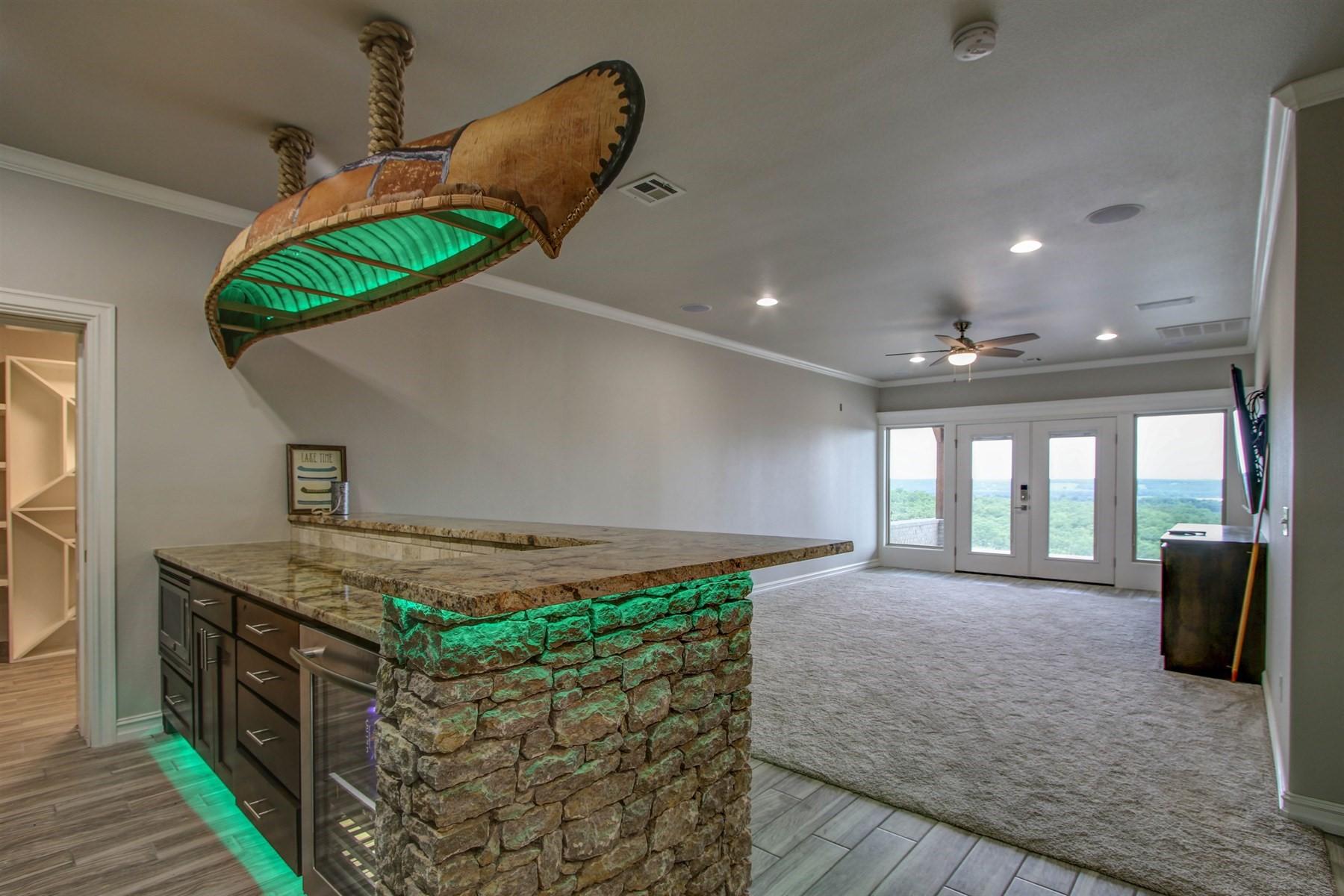 basement-game-bar-49527512