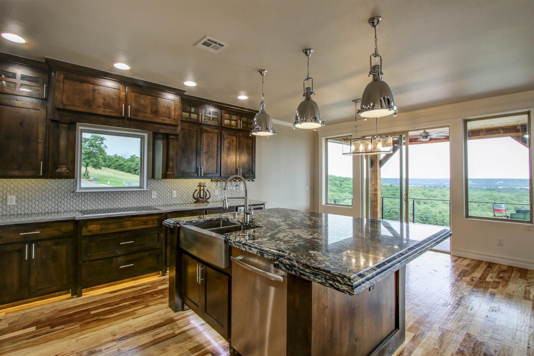 kitchen-dining-49527491