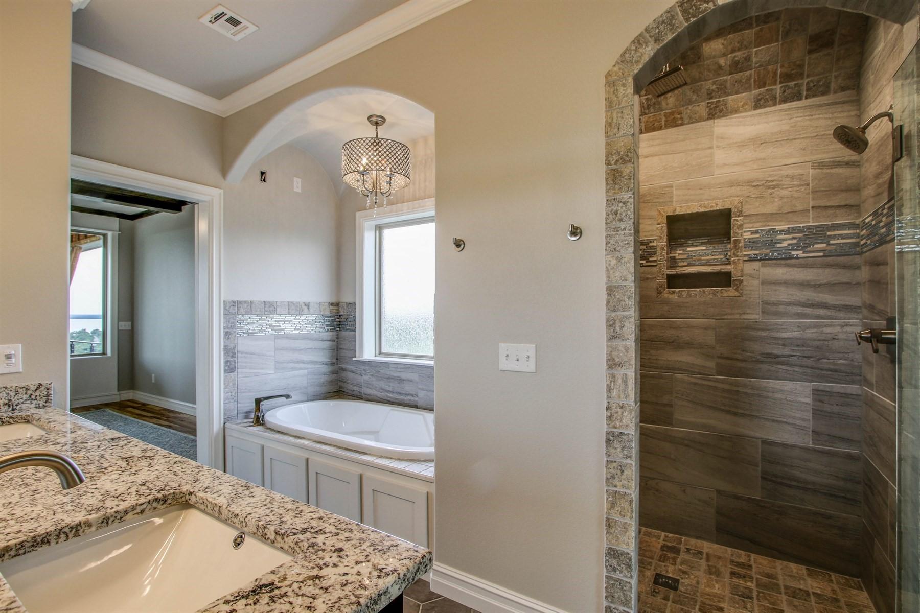 master-bathroom-49527506