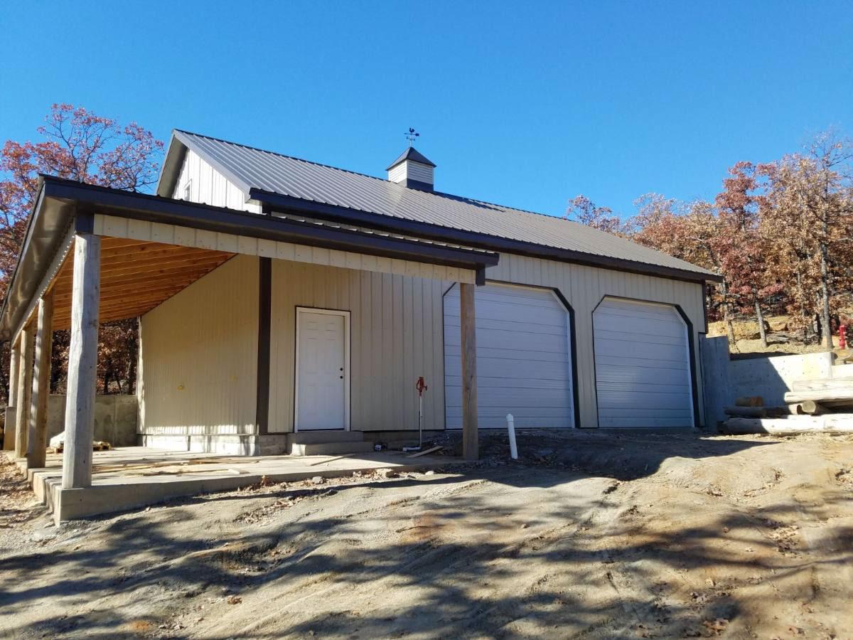 skiatook-custom-home-barn